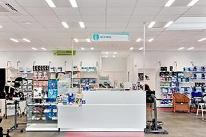 Bastide le Confort Médical albi banque d'accueil intérieur magasin