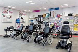 Bastide le Confort Médical Albi interieur magasin mobilité fauteuil roulant